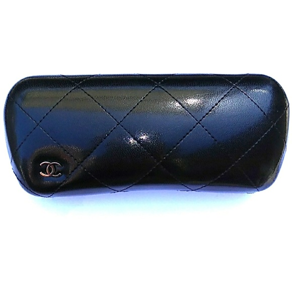 d8eb0959b420 CHANEL Accessories | Sale Blk Quilted Caviar Leather Case | Poshmark